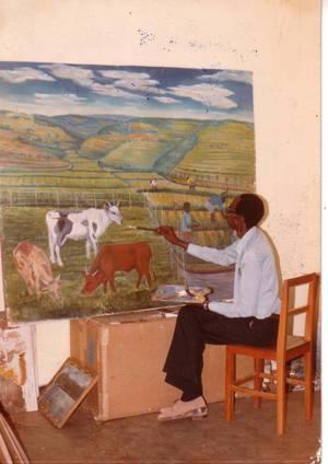 Nyetera, artiste, dans son atelier
