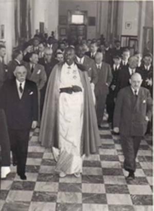 Rudahigwa en visite à l'université coloniale d'Anvers fin avril 1949